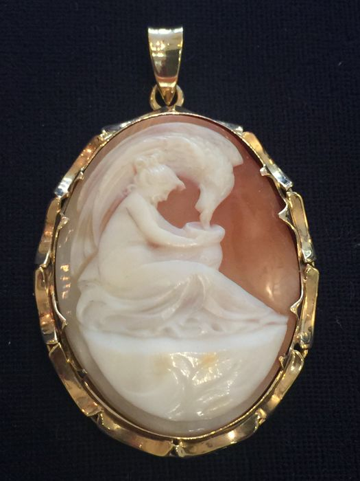 Victorian 14 kt gold cameo