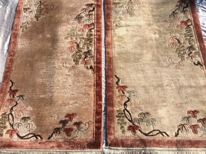 Chinese Vintage Silk Signed Carpet Couple - China / Beijing - 140 x 70 cm