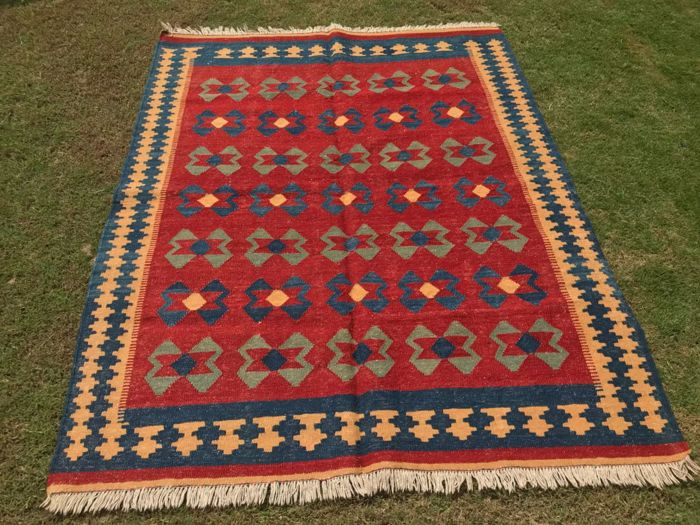 Vintage Turkish Kilim 185 x 125 cm