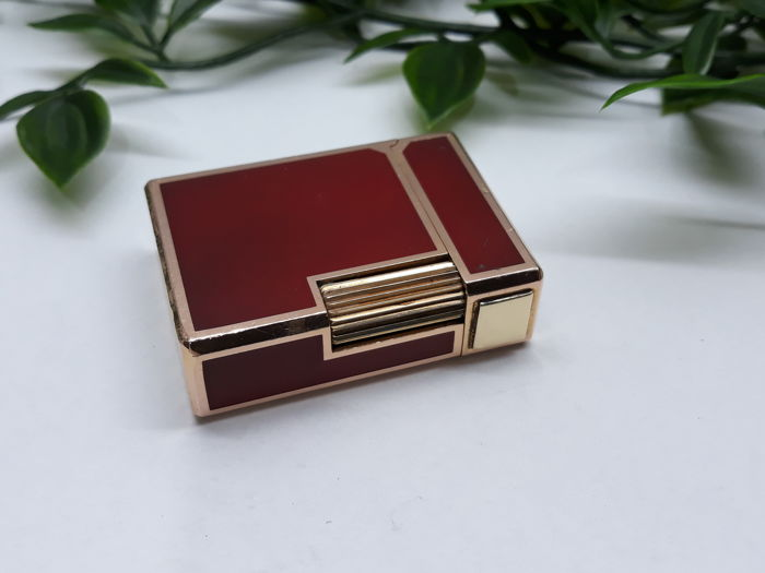 S.T. Dupont Chinese lacquer & gold red mini