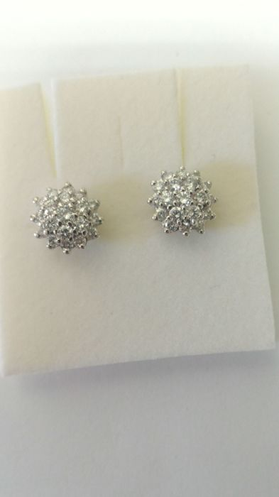 Earrings in 18 kt white gold with diamonds for 1.10 ct