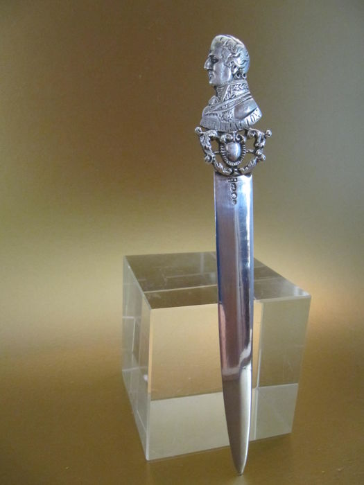 Dutch silver letter opener with Duke of Wellington - 1919
