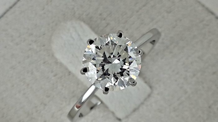 2.11 carat D/SI1 Round Diamond Solitaire Engagement Ring in Solid White Gold 14K *** NO RESERVE PRICE ***