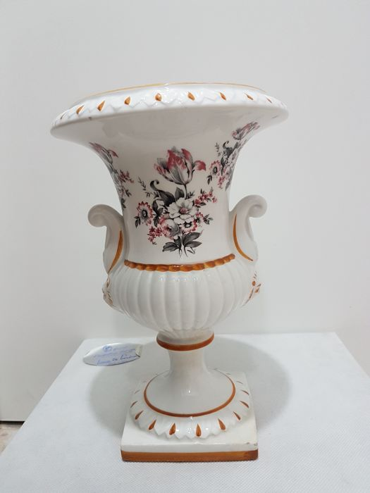 """Baluster vase with handles in the shape of a lion's head - """"Capodimonte"""" manufacture - 1950s"""