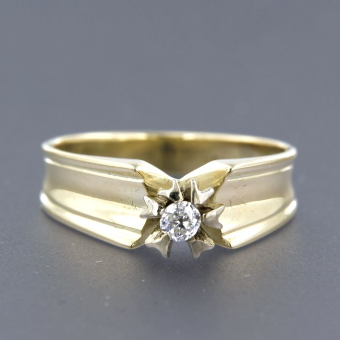 14 kt yellow gold solitaire ring set with a Bolshevik cut diamond - ring size 17 (53)