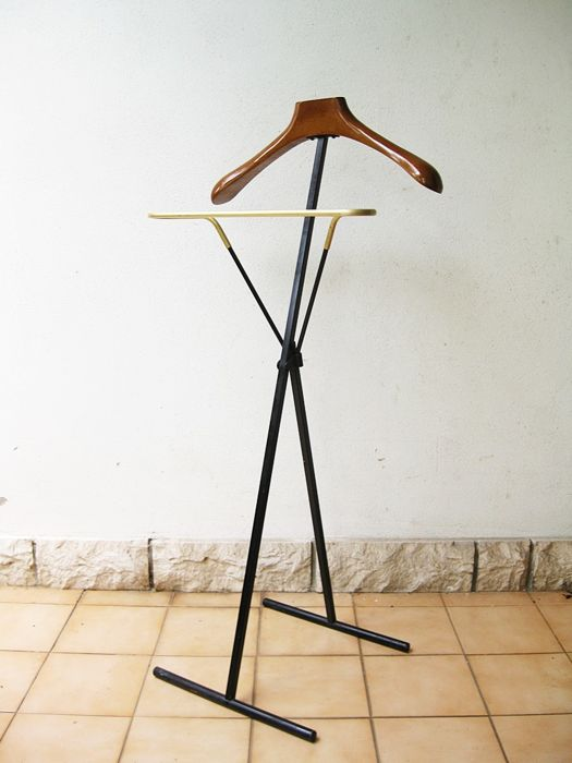 Unknown manufacturer - Folding valet stand