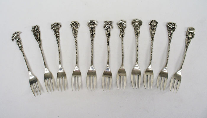 Series silver cake forks with flower stem, The Netherlands, ca. 1930