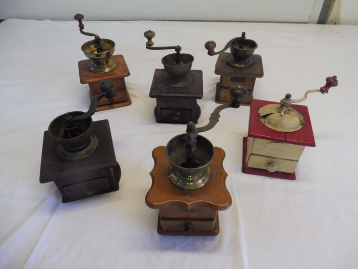 Lot of old coffee grinders