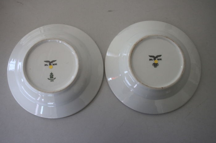 2 Porcelain Plates of the German Luftwaffe with Manufacturer - Pilot