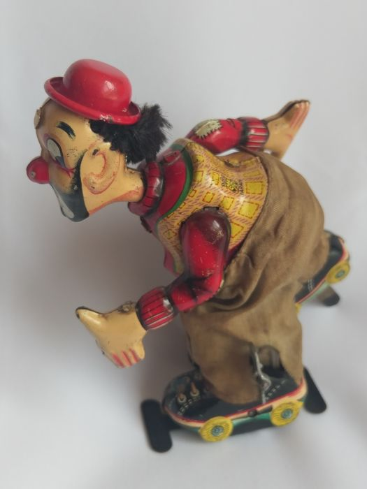 "Very Nice Lithographed wind up clockwork ""Skating Clown"" tinplate, T.P.S. JAPAN - Height 16 cm - 1950s"