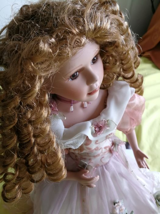 Beautiful doll - 60 cm