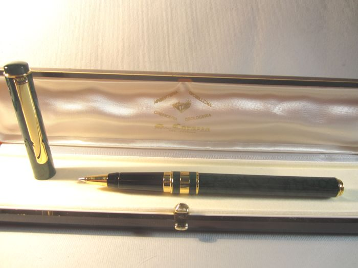 'Land rover' rare and precious green lacquered rollerball pen - original box - vintage - very good condition