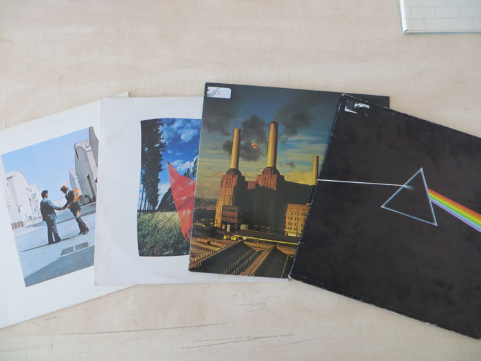 Pink floyd 4 LP Albums The dark side of the moon,Animals,2 albums Wish you were here.