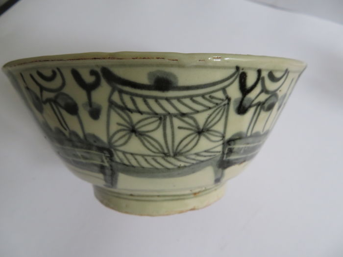 Oud-Chinees Porselein blue and white bowl with castle and boat decor - 160 x 75 mm - (1)