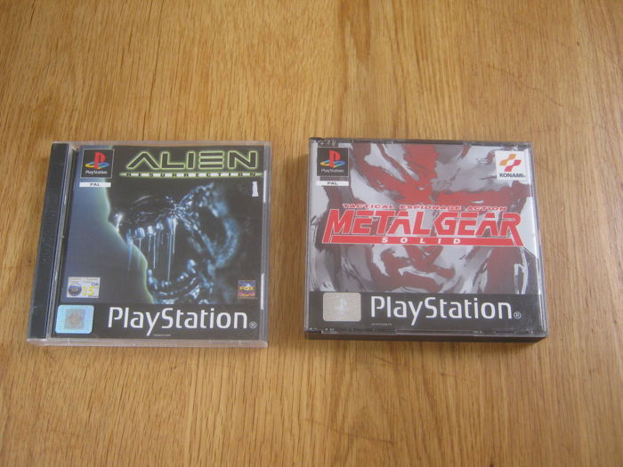 2 Top games from the playstation 1: Metal Gear Solid (+ sillent hill) + Alien  Resurrection