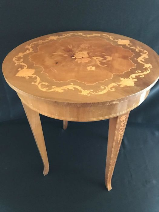 Sewing table, music table with game box - Reuge and Sorrento - Italy - 20th century