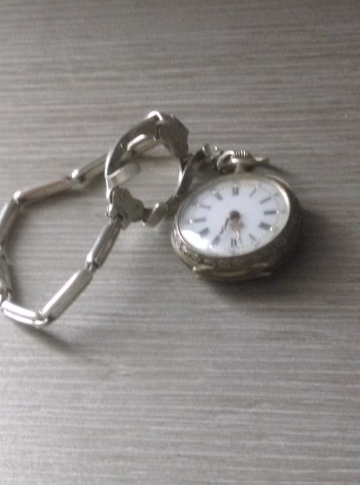 rare pocket watch 2 in 1 of the 'Poilus' WW1 in silver, can turn into wrist watch, works
