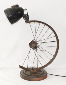 Vintage design bicycle lamp - the Netherlands (height: 60 cm, width: 37 cm)