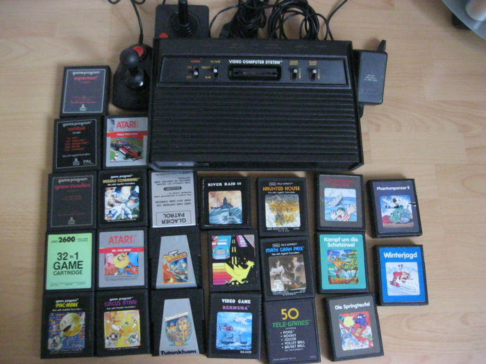 Atari 2600 Dark Vader Console + 2 joysticks and 23 games.