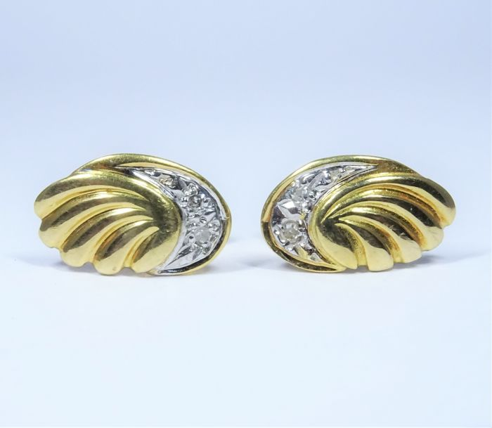 Earrings in 18 kt gold of 2.0 g set with diamonds - size: 7 x 12 mm