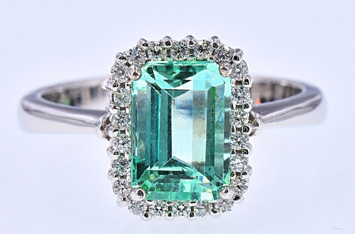 2.31 Ct Emerald with Diamonds ring NO RESERVE price!