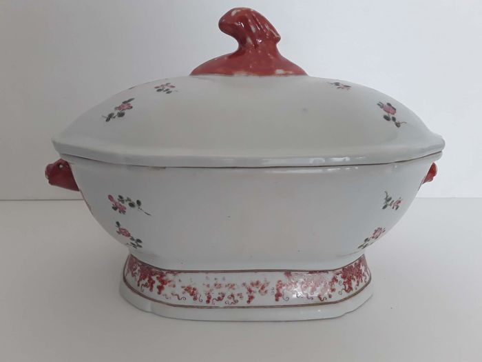 Porcelain tureen - China - End of 20th century