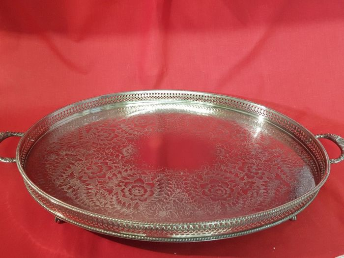 Large silver plated tray decorated with handles - 60 cm - Made in England