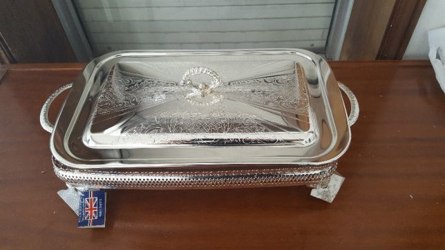 "Silver plated tray with casserole. QUUEN ANNE, ""Made in England""."