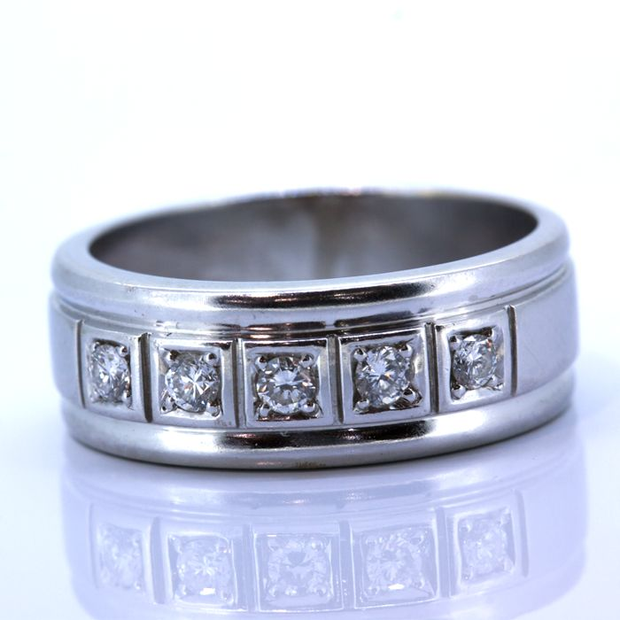 Half eternity engagement ring band in 18 kt gold 0.35 ct - size 21
