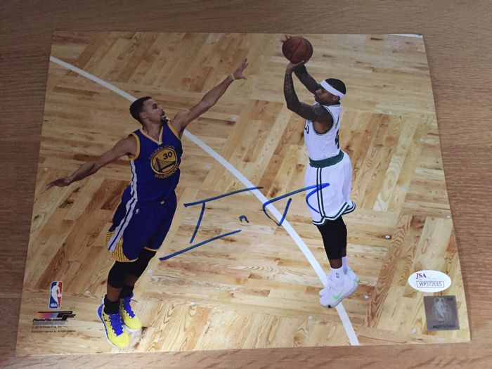 c3468ae7b Isaiah Thomas Signed Celtics 8x10 Photo - Catawiki