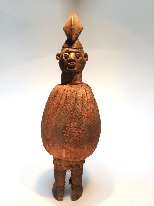 Yaka fetish (1) - Wood, textile and activated material - DR Congo