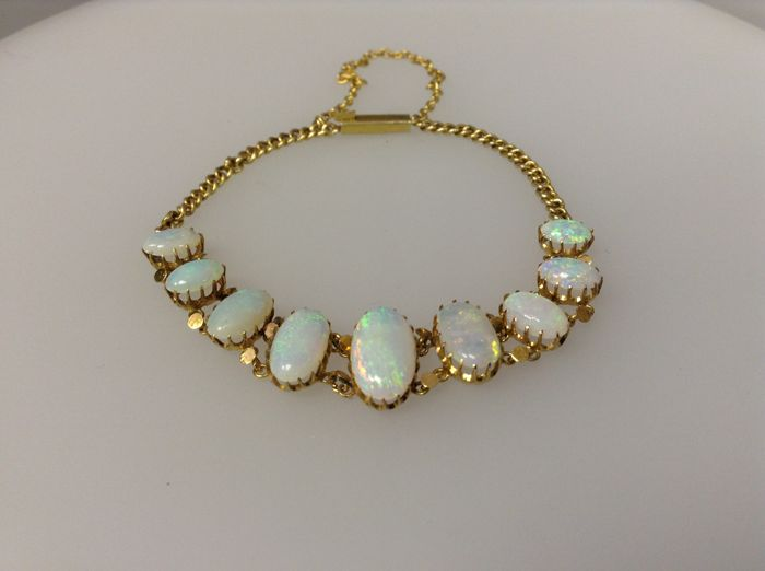 14 kt yellow gold bracelet with opal, length: 14 cm