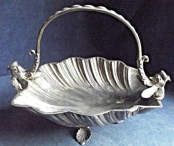 Large silver plated shell-shaped dish with a handle sustained by sea dragons - by Joseph Ridge - ca. 1900
