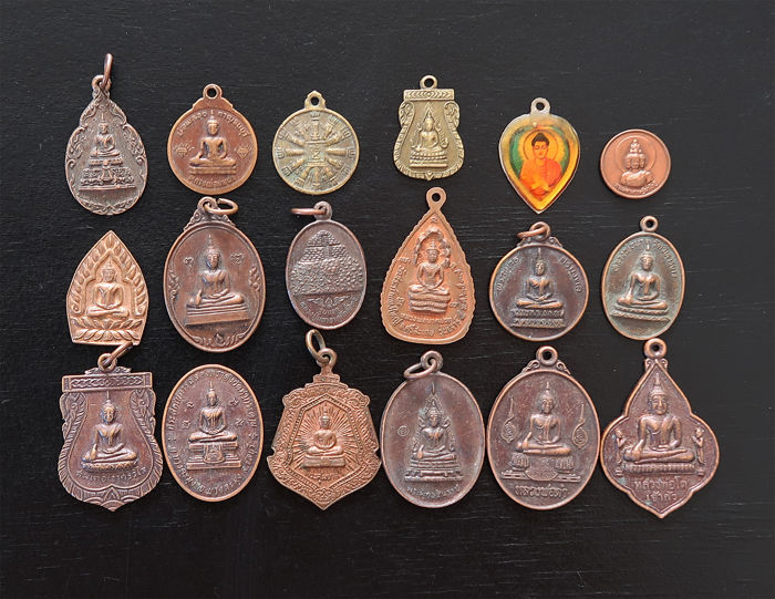 18 large monastery amulets from Thailand representing renowned Buddha and Bodhisattvas - Talismans