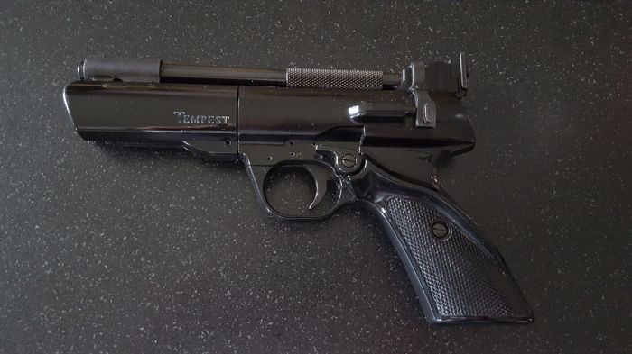 Superb WEBLEY & SCOTT Tempest 4.5 mm air pistol