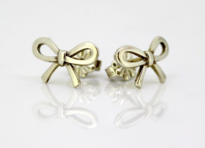 b3d01c48d Tiffany & Co - Sterling silver bow tie stud earrings, Circa.1990's - Size