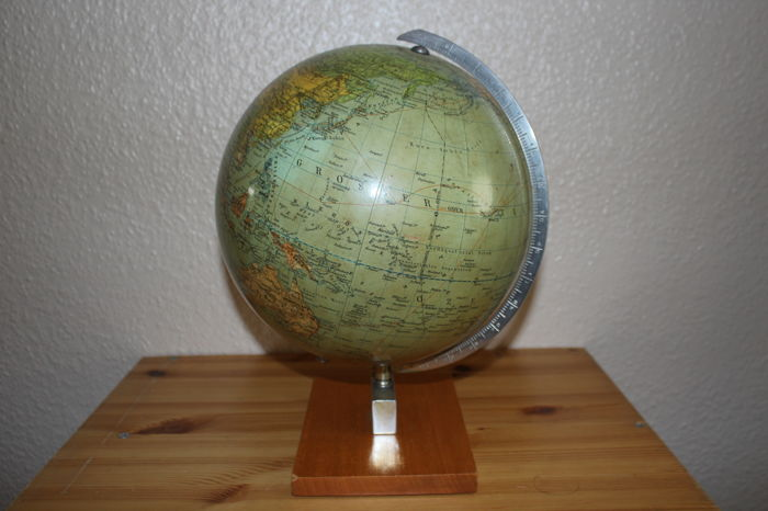 Berolina political globe - int. airlines - Italy 1959