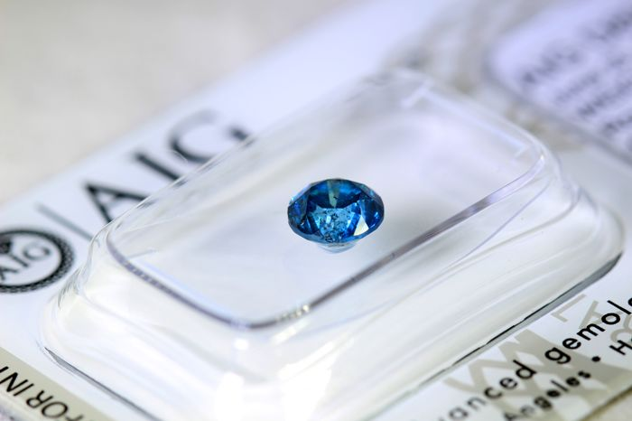 Fancy Deep Blue Diamond - (Colour Treated) - 0.92 ct - * NO RESERVE PRICE *