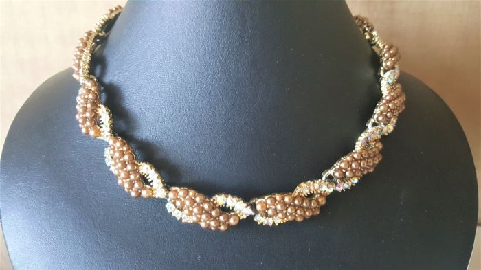 Vintage signed KRAMER faux pearl crystal Necklace from 1950's