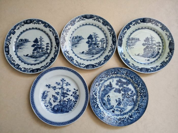 Porcelain plates 18th century