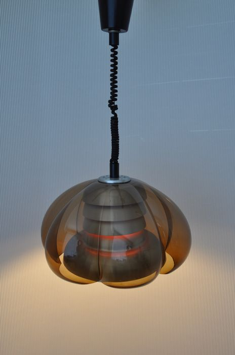 Herda Lighting - Space Age pull-cord pendant light - aluminium and Plexiglass