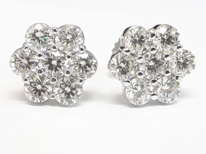 18k white gold ear studs &2.67ct natural diamonds