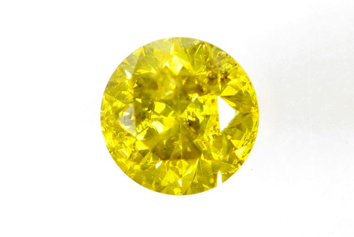 Fancy Intense Greenish Yellow Diamond - (Colour Treated) - 0.41 ct - * NO RESERVE PRICE *