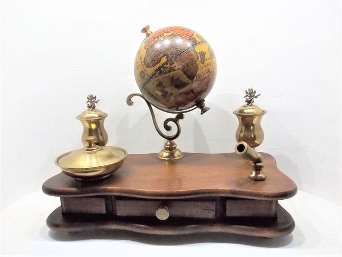 A writing set with globe - approx. 1980 - beech, brass and paper.