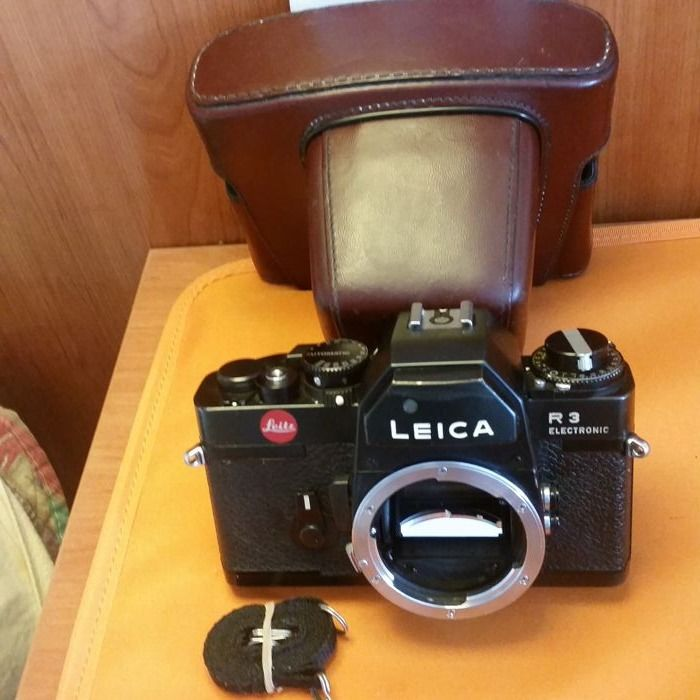 Leica R3 Electronic with Case