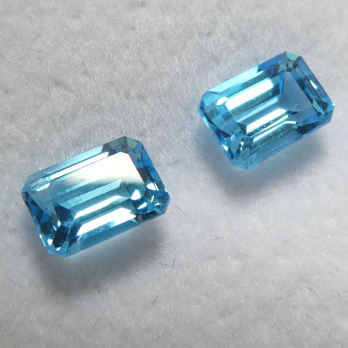 Topaz Matching Pair – 2.64 ct – No Reserve Price