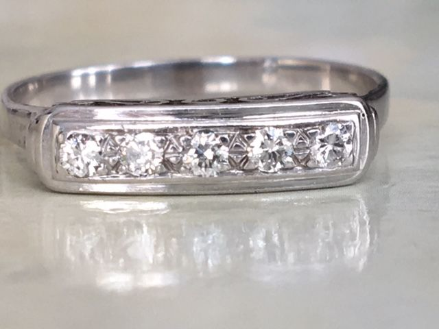 Later Art Deco 14 kt white gold women's ring with approx. 0.10 ct in diamonds, G/VS