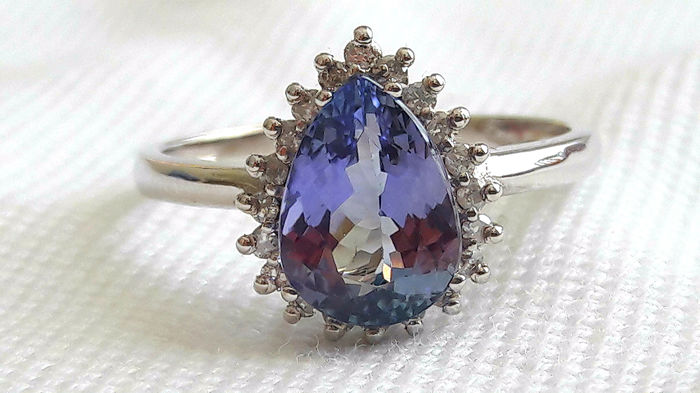 18 kt white gold ring with transparent, purple-blue tanzanite for 2.53 ct and diamonds for 0.20 ct - Size 55.5 (FR) *No Reserve Price*