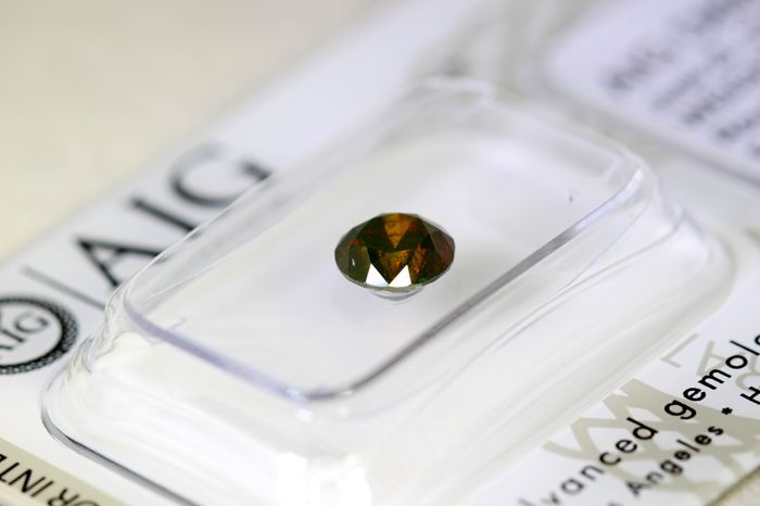* NO RESERVE PRICE * - Fancy Dark Orangey Brown Diamond - (Colour Treated) - 0.90 ct
