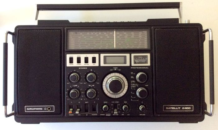 Grundig Satellit 2400 Professional Universal Receiver with Stereo FM